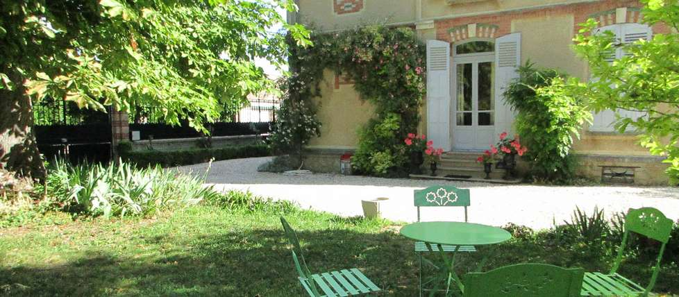 Chambre hotes bourgogne villa mazi re for Chambre d hote de charme bourgogne